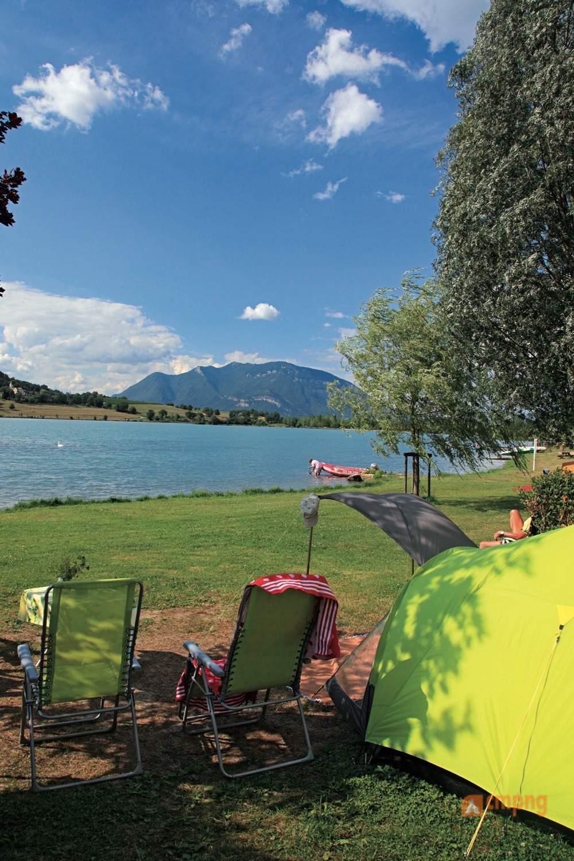 vivacamp camping du lac du lit du roi massignieu de rives ain. Black Bedroom Furniture Sets. Home Design Ideas