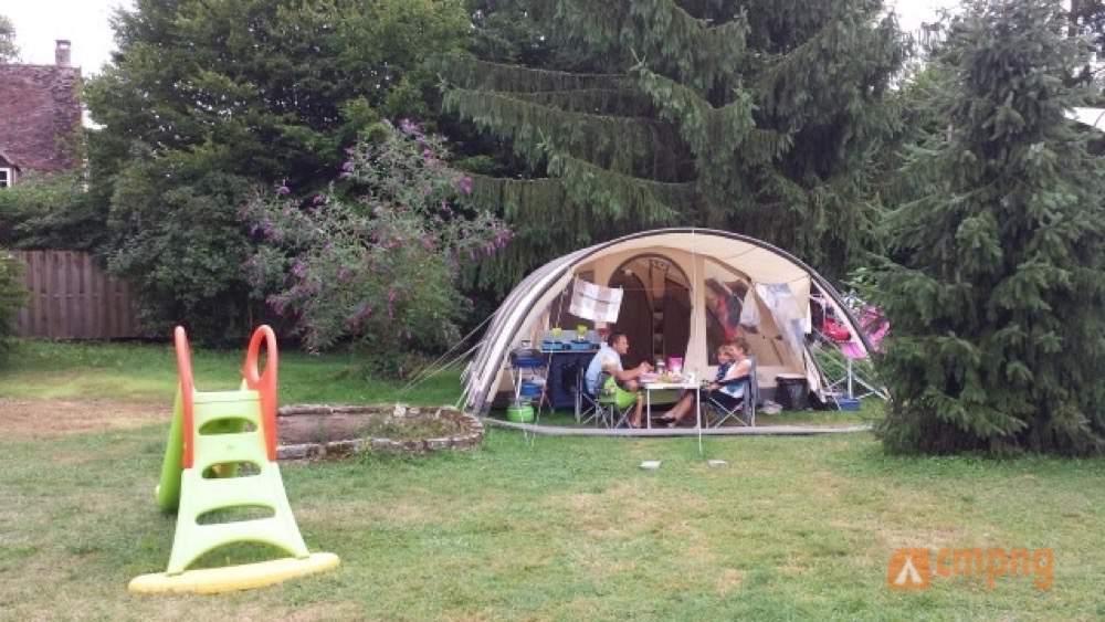 Camping La Bonne Vie, Saint Maurice les Couches, Saône-et-Loire