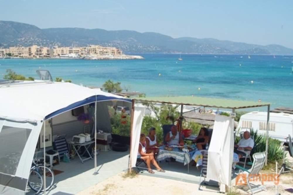 Camping camp du domaine bormes les mimosas var for Camping bormes les mimosas piscine