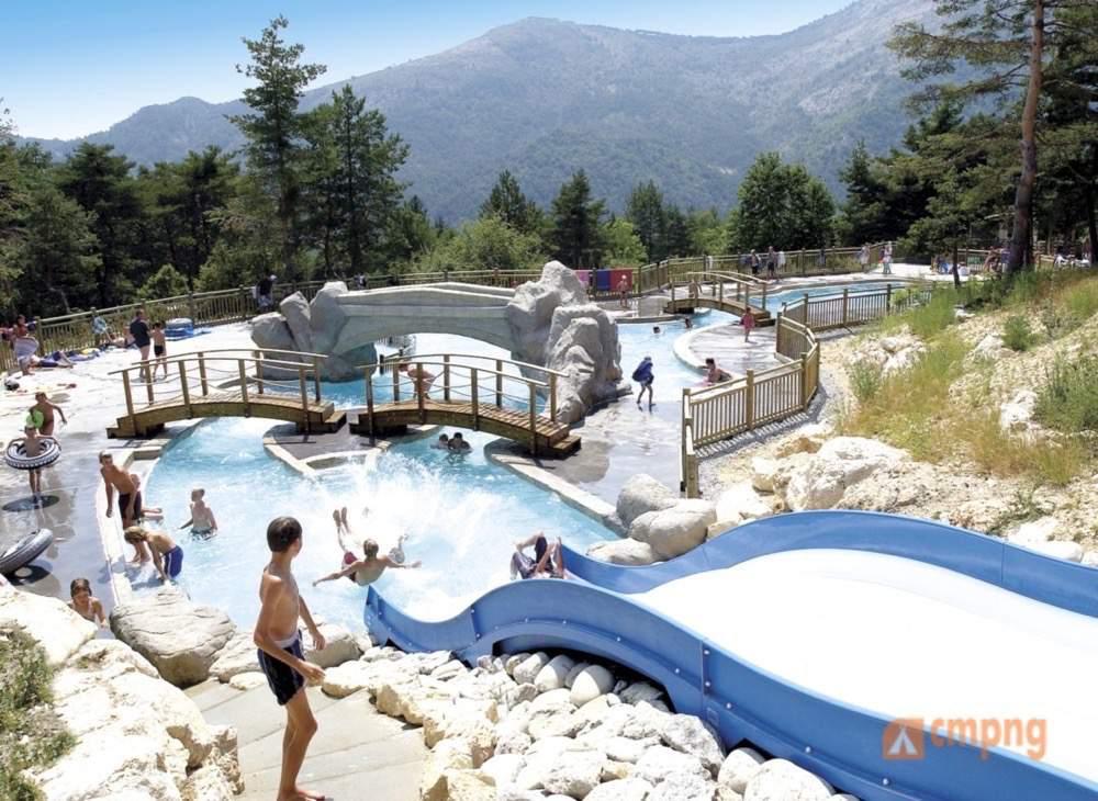 Rcn les collines de castellane castellane alpes de haute for Camping gorges du verdon avec piscine